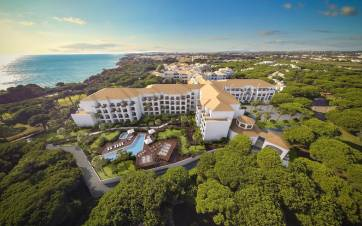 Pine Cliffs Ocean Suites